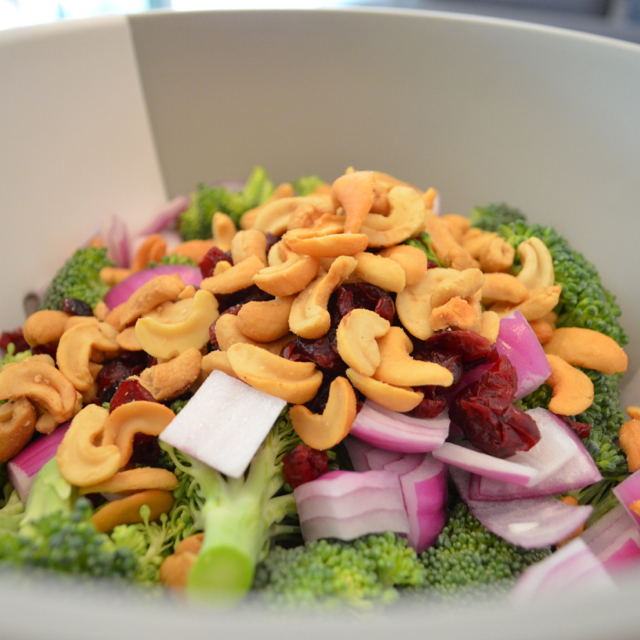 Broccoli Crunch Cashews